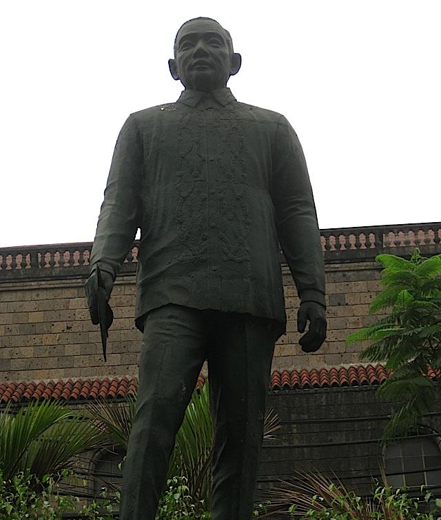 statue of Roman Ongpin in Binondo, Manila