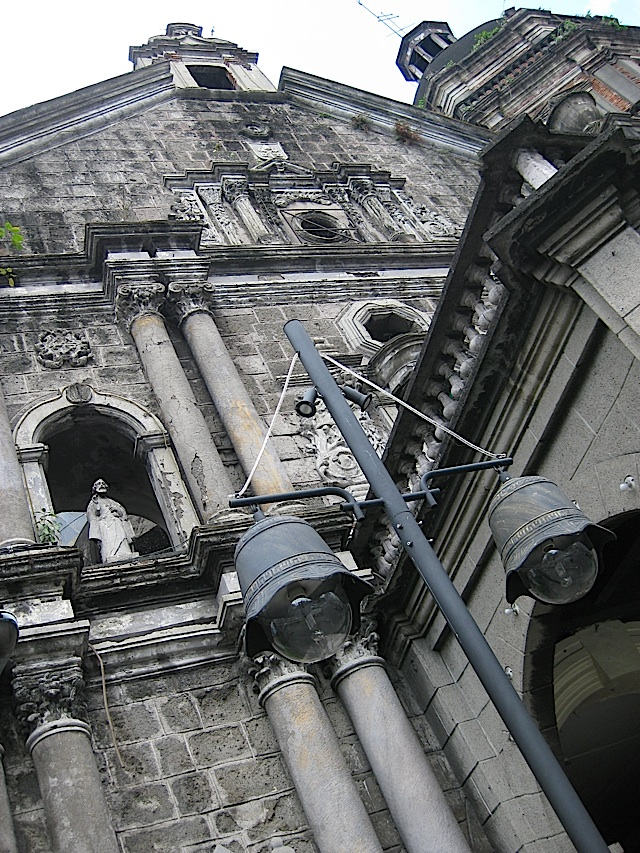 facade of the Binondo Church