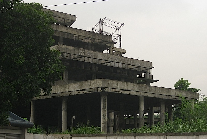 abandoned construction along the Quezon Memorial Circle