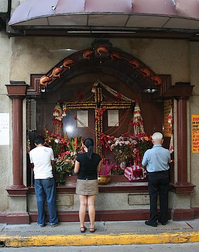 street-side shrine at Binondo