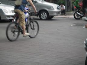 大車禮讓單車