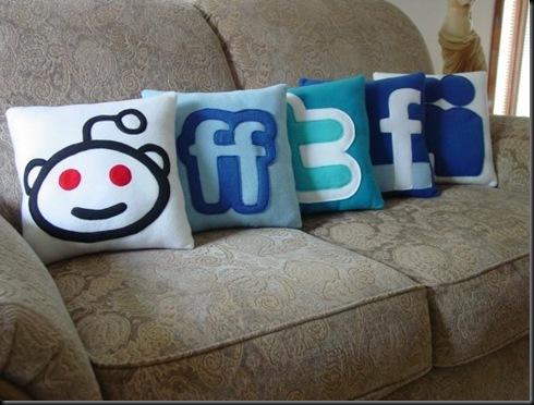 socialmediapillow