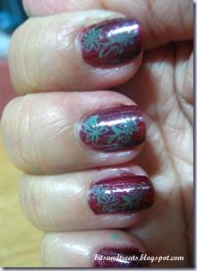 almost christmas nails, by bitsandtreats