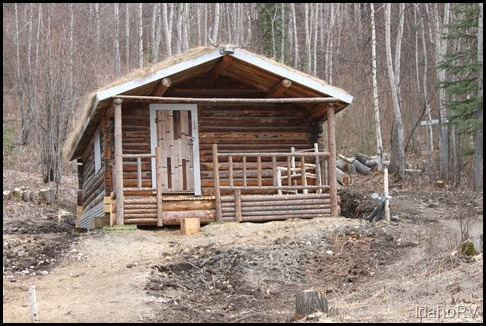 Robert-Service-Cabin
