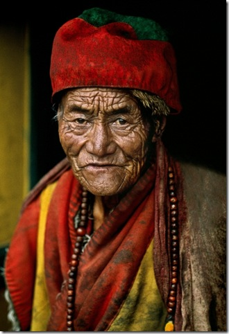 tibet-10009buddhism by steve mccurry