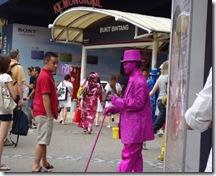 ピンクの男