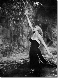 anita ekberg fountain