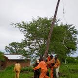 Electriciteitspalen zetten