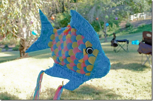 fish pinata (1 of 1)