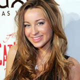 Ashley Leggat 8.jpg