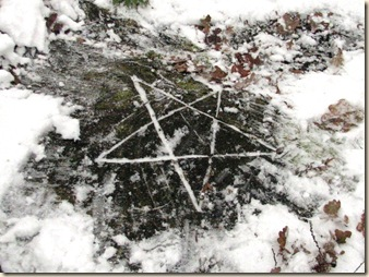 20101218 BHW pentagram in snow 032