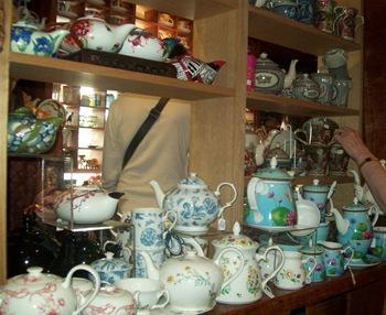Sassafras teapots 2