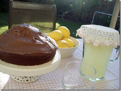 Lemonade and cake