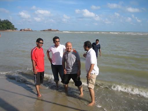 Jejaka Hensem Di Pantai Cherating