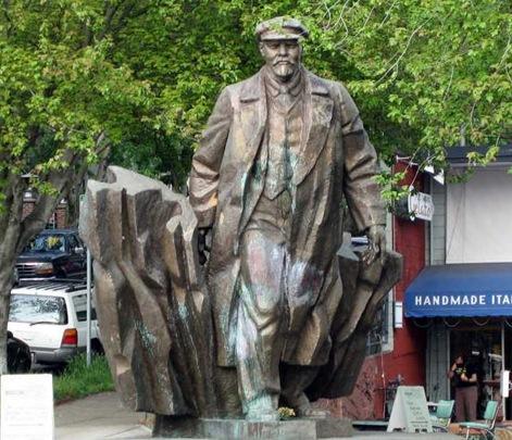 Lenin-statue-in-Fremont