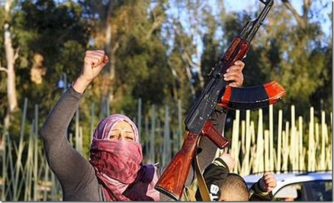 Libia_donna_con_fucile_Xin--400x300