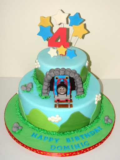 Thomas the Train Cake 098.JPG