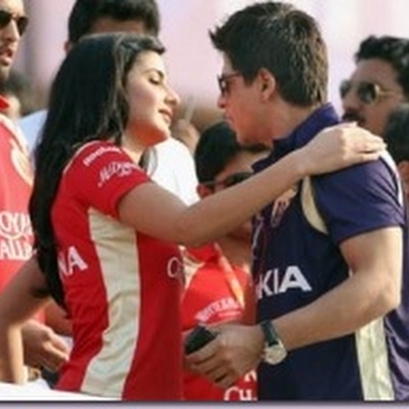 Katrina Kaif hugged Shahrukh Khan