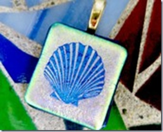 chris 1 fused glass sea shell