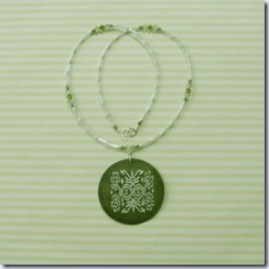 katzskreations green shell and crystal necklace