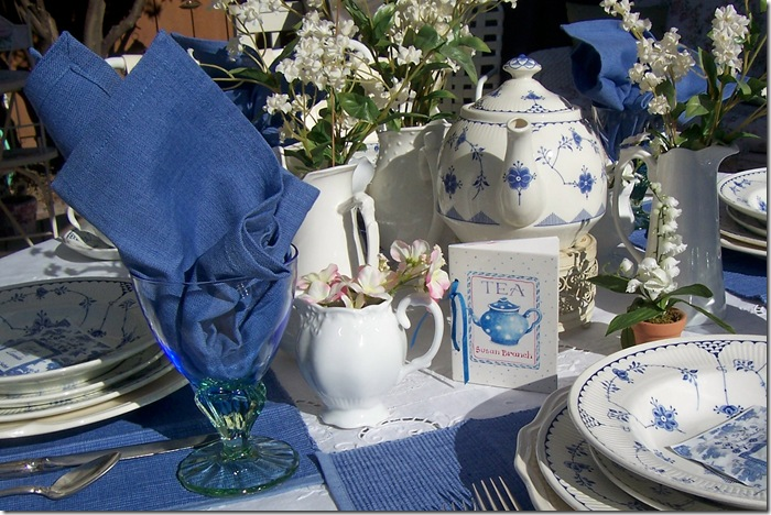 blue tablescape indoors6