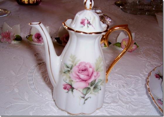 mini rose teapot