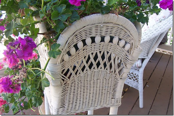 wicker plant stand 2
