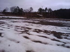 雪が解けてきた矢ノ原圃場