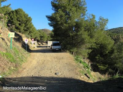 Ruta 8 polideportivo ciudad jard n 33 km dura for Polideportivo ciudad jardin malaga