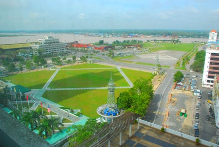 View from RH hotel, sungai Rajang kat belakang tuhh