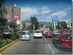 Acapulco Traffic and stores (Small)
