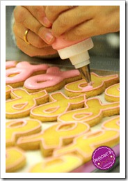 elaboracion-galletas-cancer-de-mama