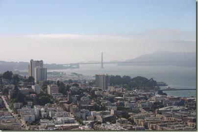 04 - Een overzicht over SF met op de achtergrond de Golden Gate bridge