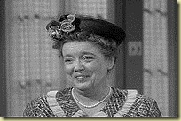 200px-First_Episode_Aunt_Bee_10101