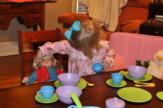 [big tea party 010811 (12)[3].jpg]