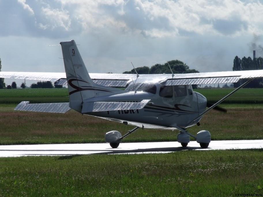 Concours Photos du moi d'Octobre:Les Cessna DSCF7810