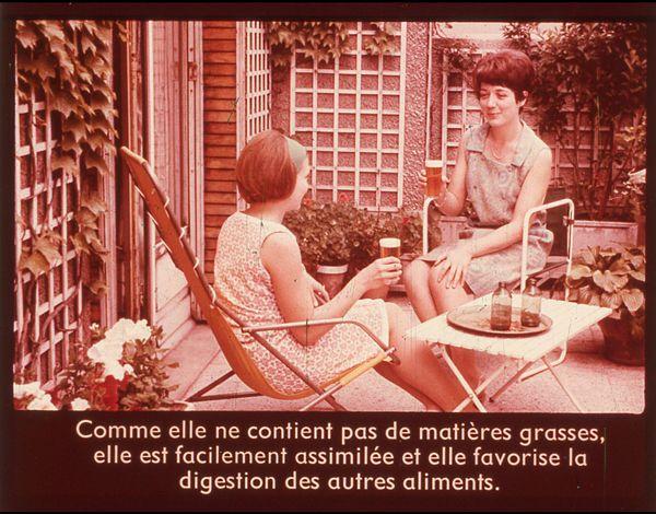 Films fixes et publicités de quartier sur www.filmfix.fr : Santé et hygiène, vie, vigueur, vitamines en bouteille : la bière