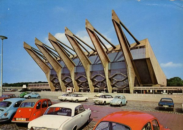 Cartes Postales Pop et  Kitsch des années 50, 70 et 70 - Pop and kitsch vintage postcards from the fifties, the sixties and the seventies : BREMEN - Stadthalle