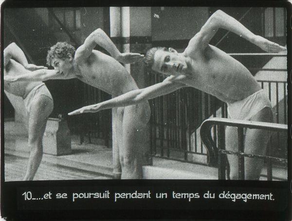 Films fixes et publicités de quartier (educational filmstrips) sur www.filmfix.fr : L'initation sportive aux nages modernes, Le crawl