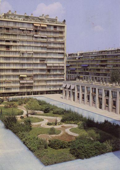 Cartes Postales Pop et  Kitsch des années 50, 70 et 70 - Douceur de vivre : BOULOGNE (92100 Hauts-de-Seine) Square St-Germain-des-Longs-Prés