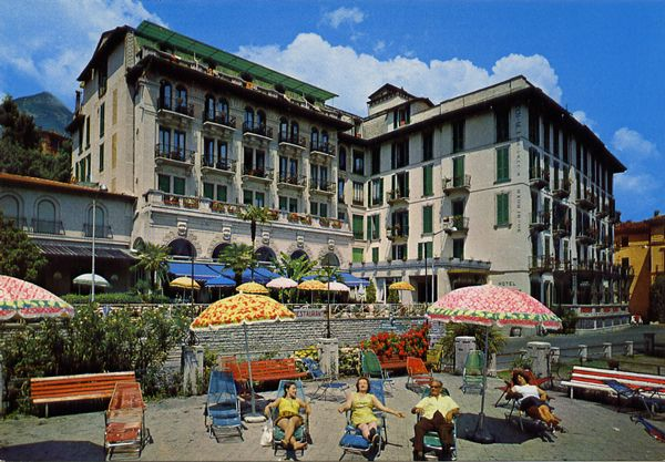 Cartes Postales Pop et  Kitsch des années 50, 70 et 70 - Pop and kitsch vintage postcards from the fifties, the sixties and the seventies : Lago di Como - CADENABBIA Hotel Britannica Excelsior