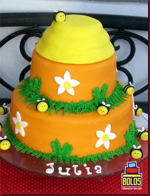 2 bolo abelha, bolo colméia, bolos decorados, bolos fabiana correia, bolos maceió-AL