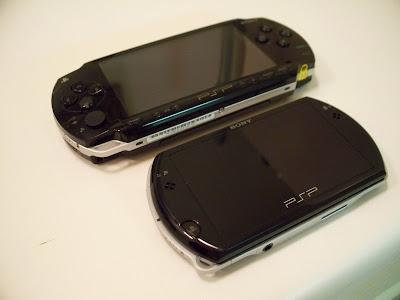 PSP Phat vs PSP Go (angle)