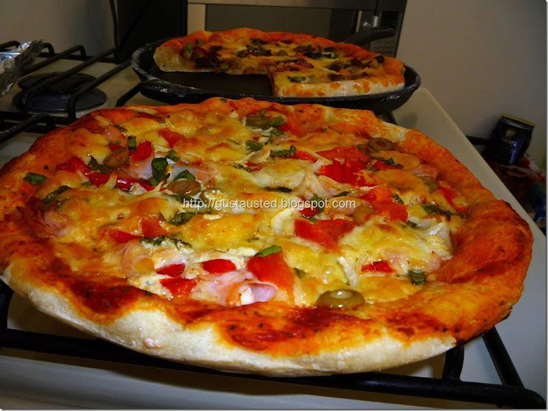 19 La pizza de jamón sin relleno en el borde