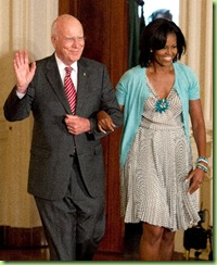 Michelle_Obama_at_Reception_For_Supreme_Court_Justice_Sonia_Sotomayor__Bluefly_blog_FlyPaper-400