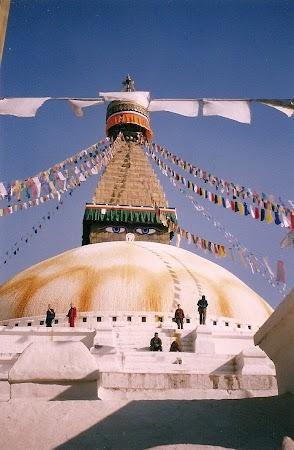 Obiective turistice Nepal: stupa Bouddha.jpg