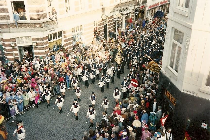 83. (2.03.1992. Maastricht, parada carnavalului).jpg