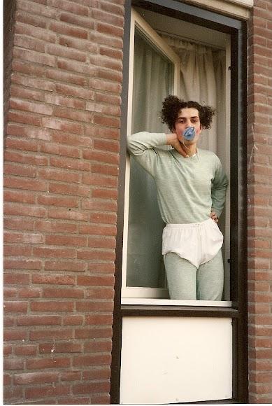73. (1.03.1992, Maastricht, Enrico baby).jpg