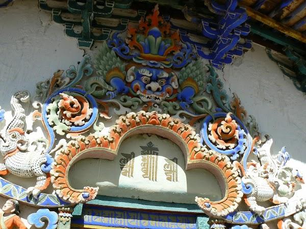 Obiective turistice Tibet: picturi murale.JPG