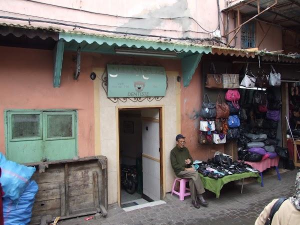 Obiective turistice Maroc: Dentist.JPG
